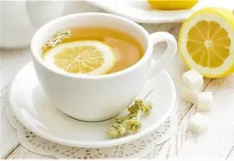 """热柠檬水能抗癌,神药上市了...对这些谣言说""""不"""""""